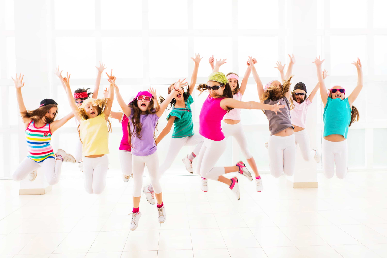 Картинки детские танцы для афиши, юра открытки